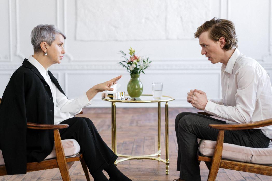 Eine der ersten Fragen: Was kostet eine Scheidung überhaupt?
